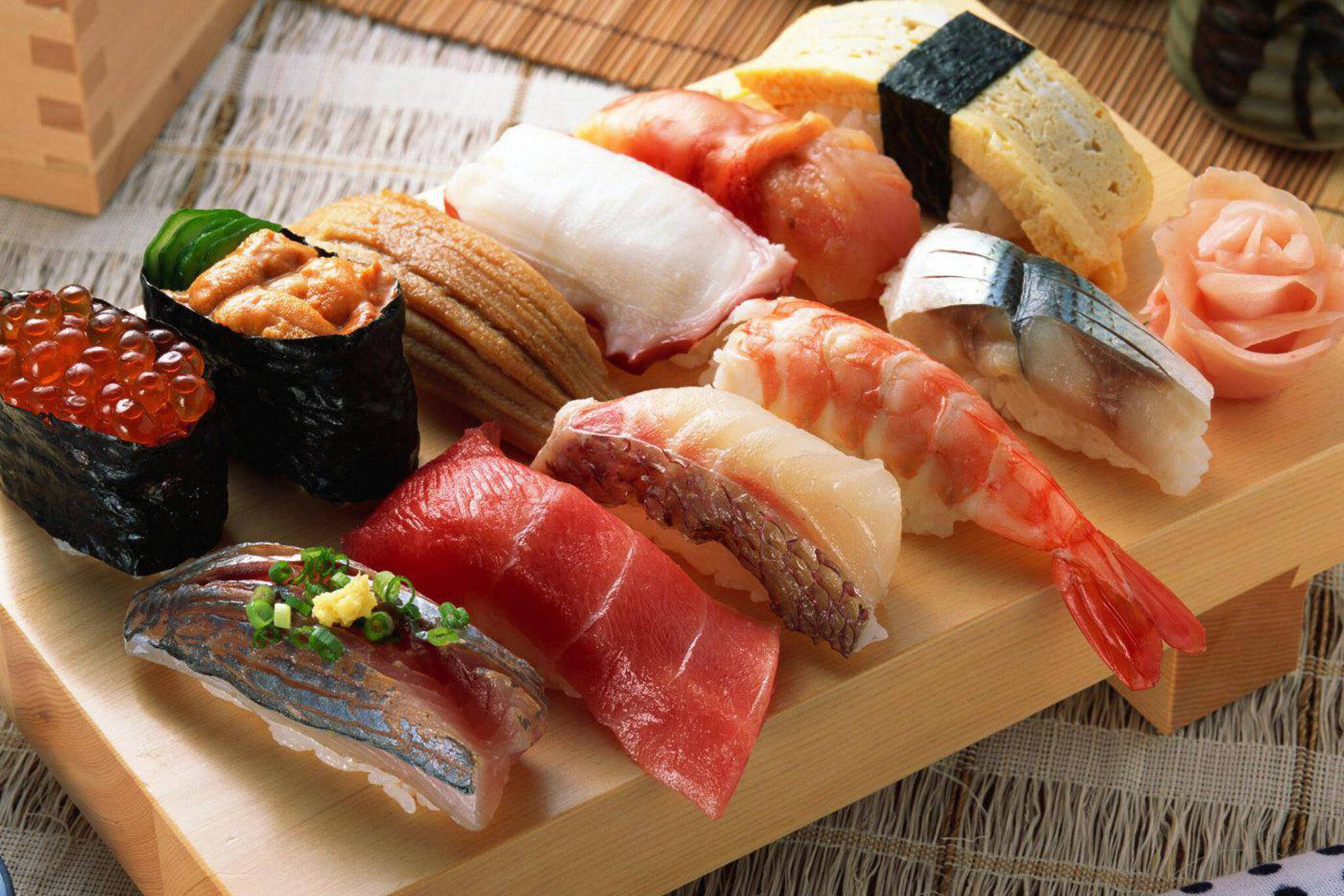 conveyor belt sushi toronto