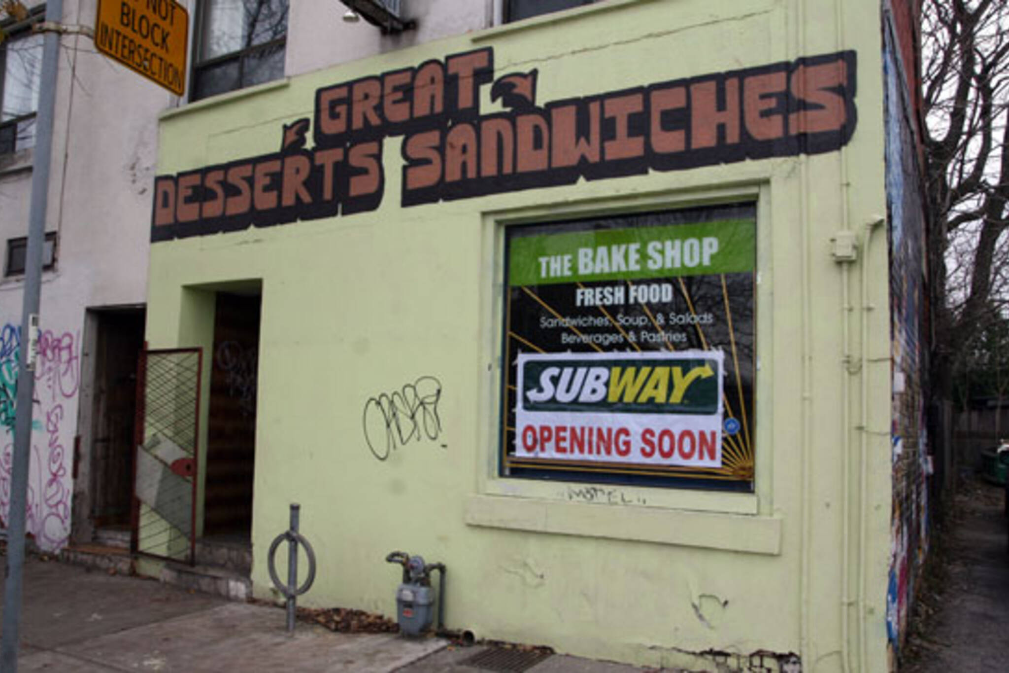 Subway Harbord